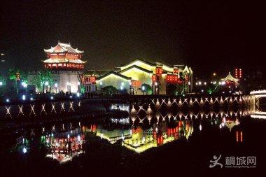 桐城东作门夜景